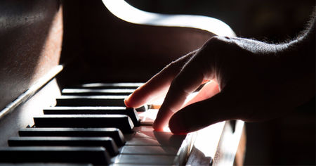 New Tampa Piano Teacher Offers Performance Anxiety Tips